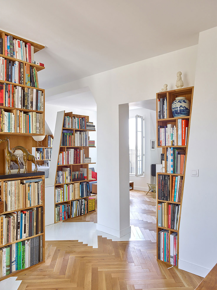 h20 architectes, wood bookshelves, built-in bookshelves