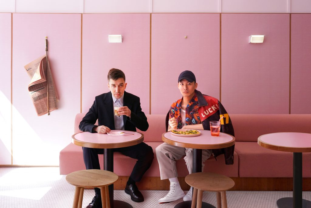 Humble Pizza is a very cool cafè in Kings Cross, London. It is all pink with formica panels, chairs, tables and very inspiring Fifties feeling.